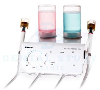 Снятие зубных отложений аппаратом PIEZON Master 700 в стоматологии Dental Story
